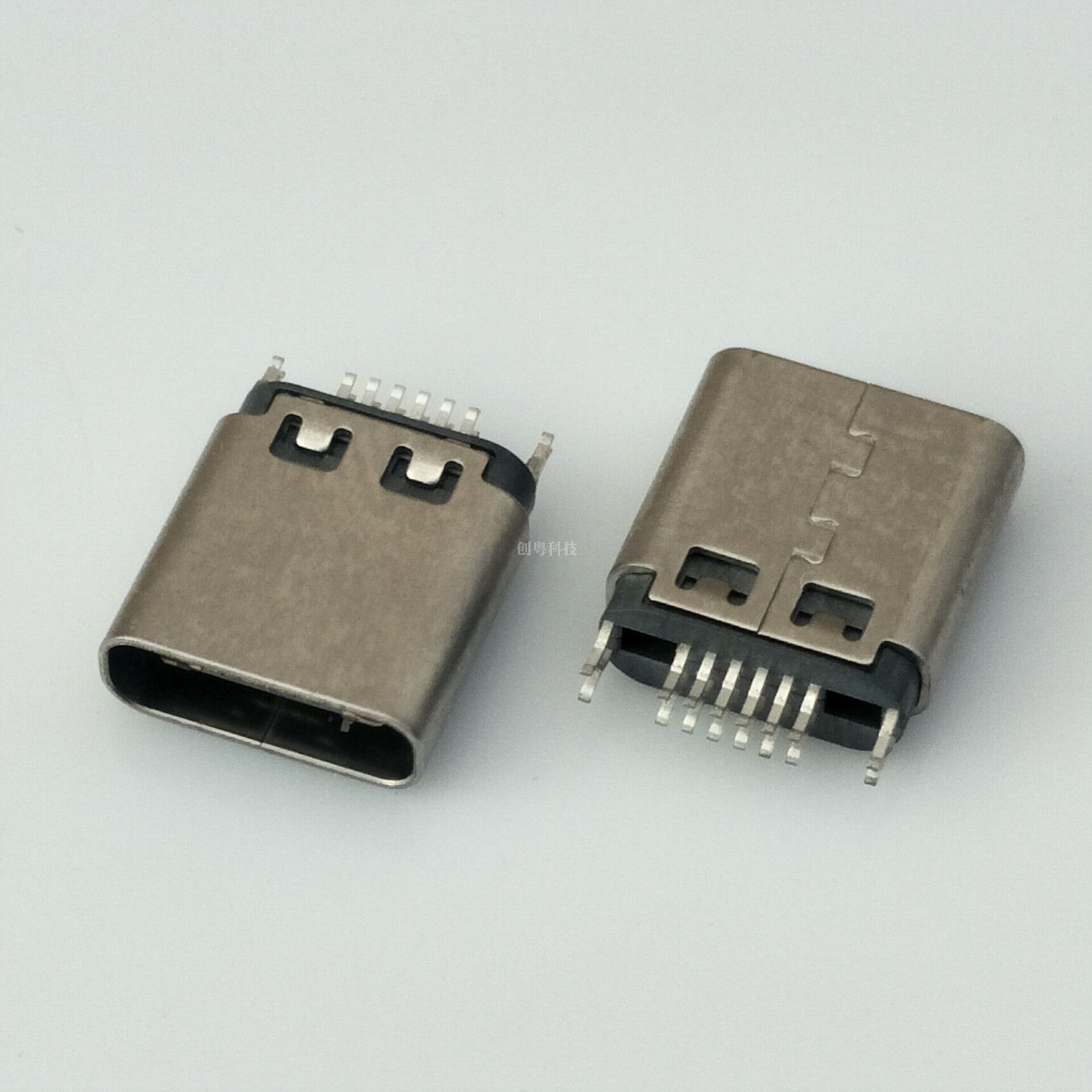 TYPE C 夹板插座